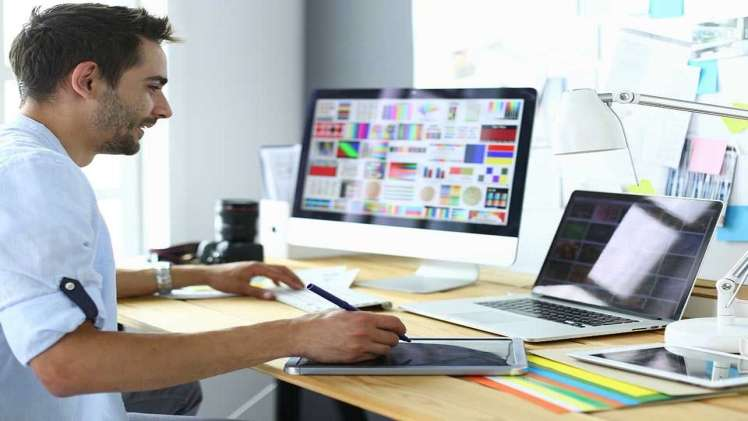 How to Start Your Graphic Design Journey in the UK