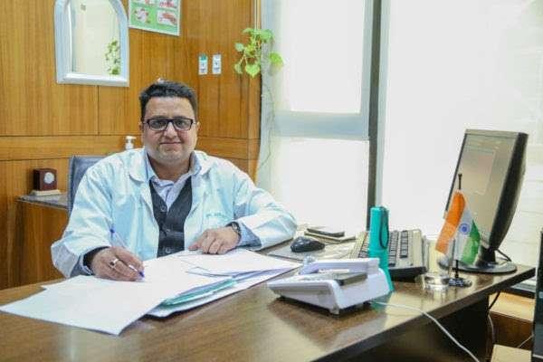 Dr. Sunil Arora