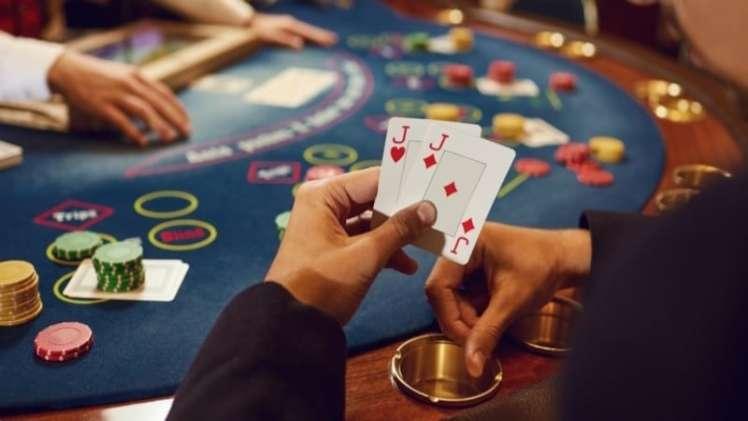 Live Casino Poker 800