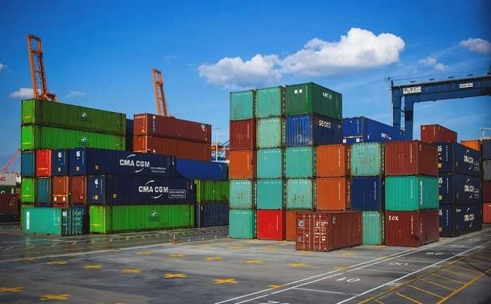 Shipping services to UK made hassle free from Dubai