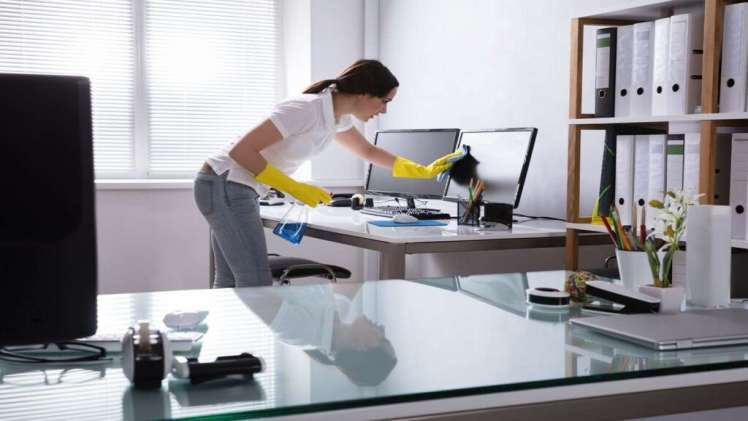 How does Melbourne maintain cleaning offices commercially