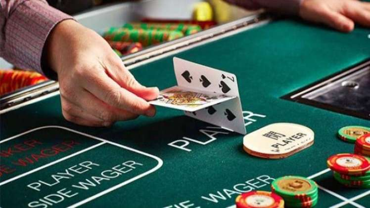 Amazing Benefits of Playing Online Card Games