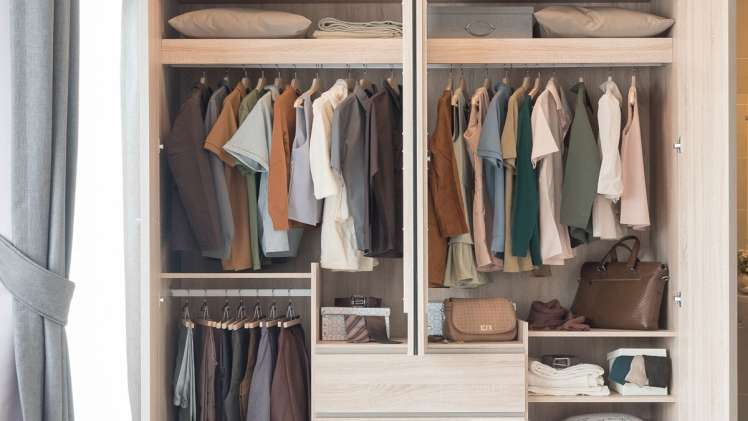 Top 5 Tips on How to Arrange Your Clothing Closet 1